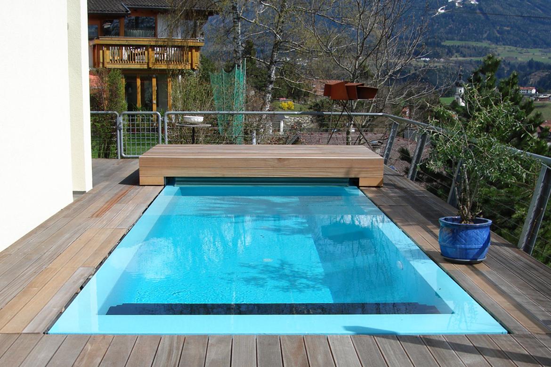 Schwimmbadbau poolbau saunabau dampfb der und for Schwimmbad bauen lassen